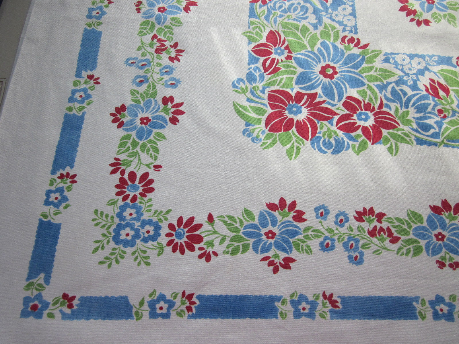 Red Blue Green Primary Floral Vintage Printed Tablecloth (52 X 46)