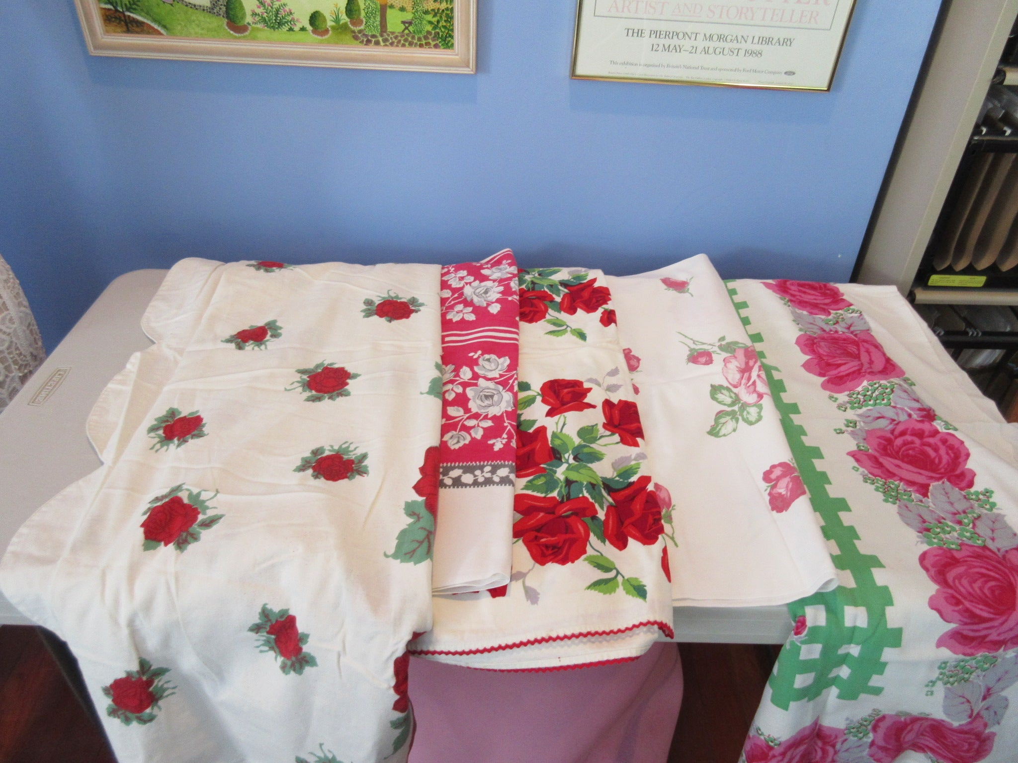 Red Pink Roses Cutter Lot G a1275 i6657 a2289 a2297 Vintage Printed Tablecloth