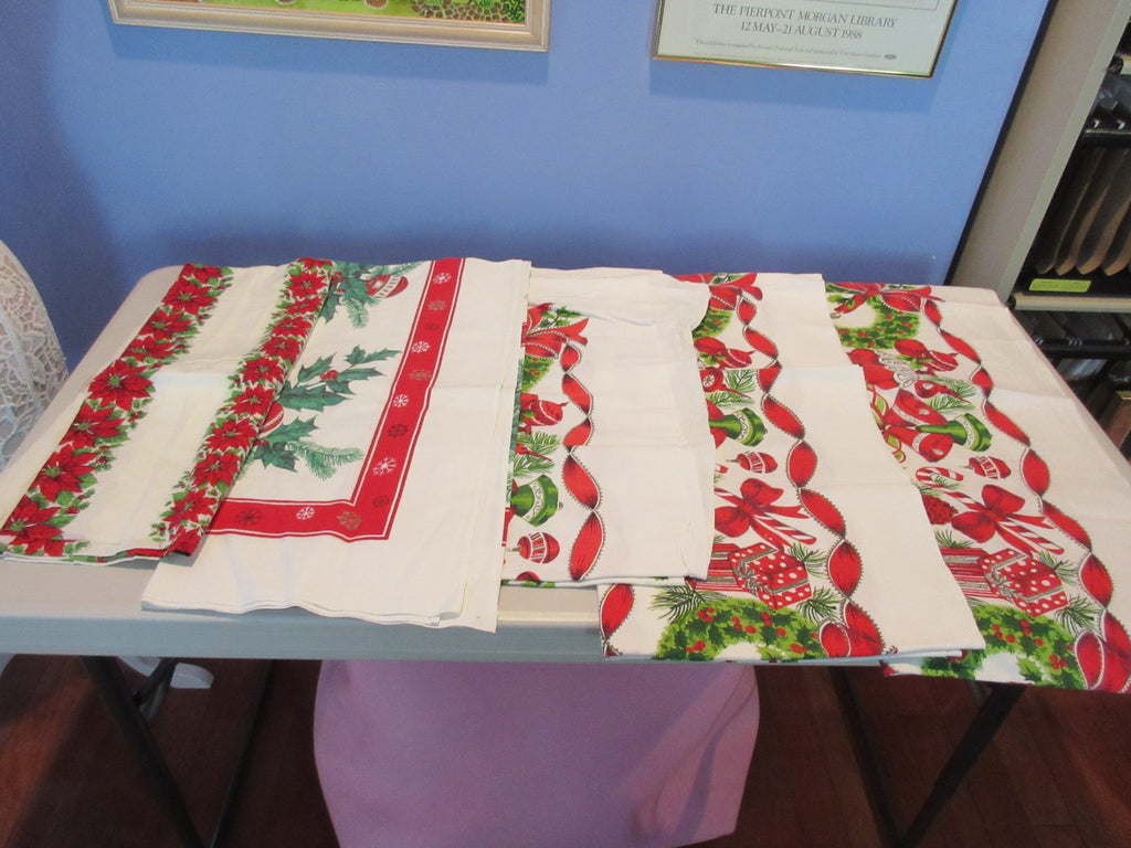 Christmas Cutter Lot I a1114 a1115 i0670 i6471 Vintage Printed Tablecloth