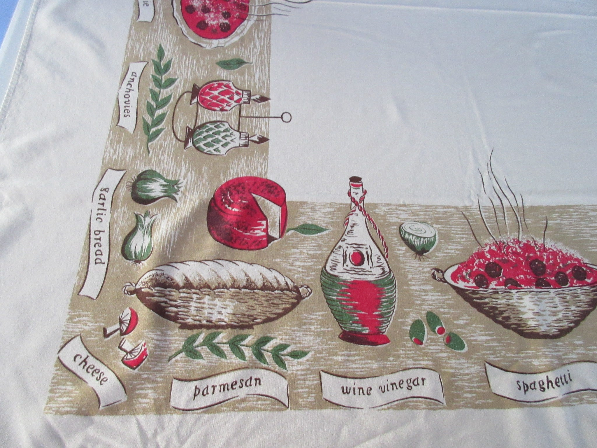 HTF Larger CHP Italian Dinner Pizza Spaghetti Novelty TAN Vintage Printed Tablecloth (79 X 44)