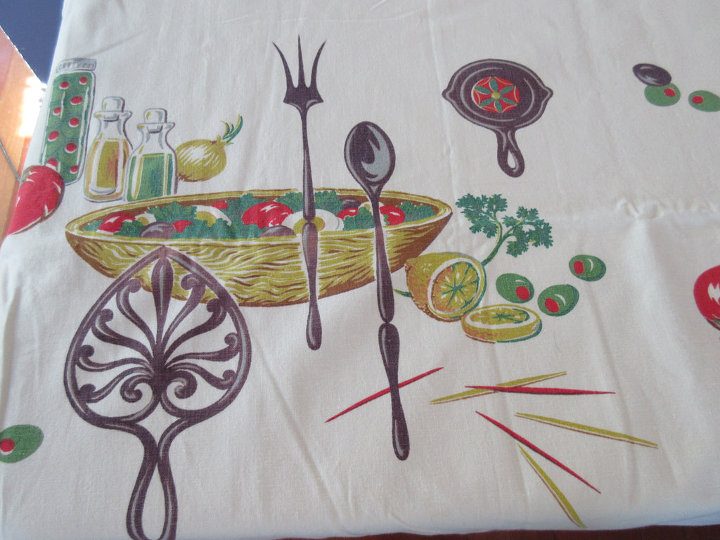 Woodstock? Salad Bowl Trivet Shabby Novelty Vintage Printed Tablecloth (54 X 48)