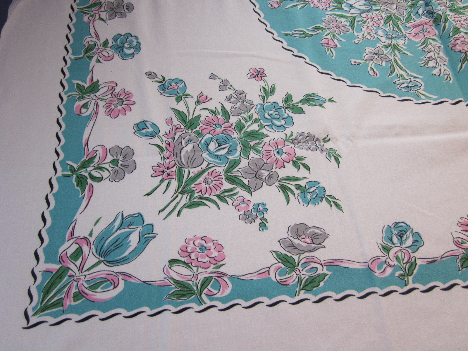 Pink Gray Flowers Aqua Circle Floral Vintage Printed Tablecloth (53 X 47)