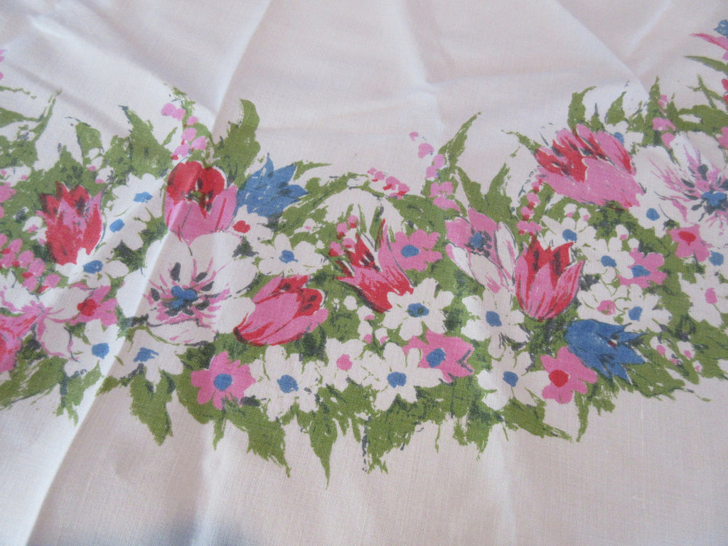 ROUND Pastel Tulips Floral Luther Travis Vintage Printed Tablecloth (64 ROUND)