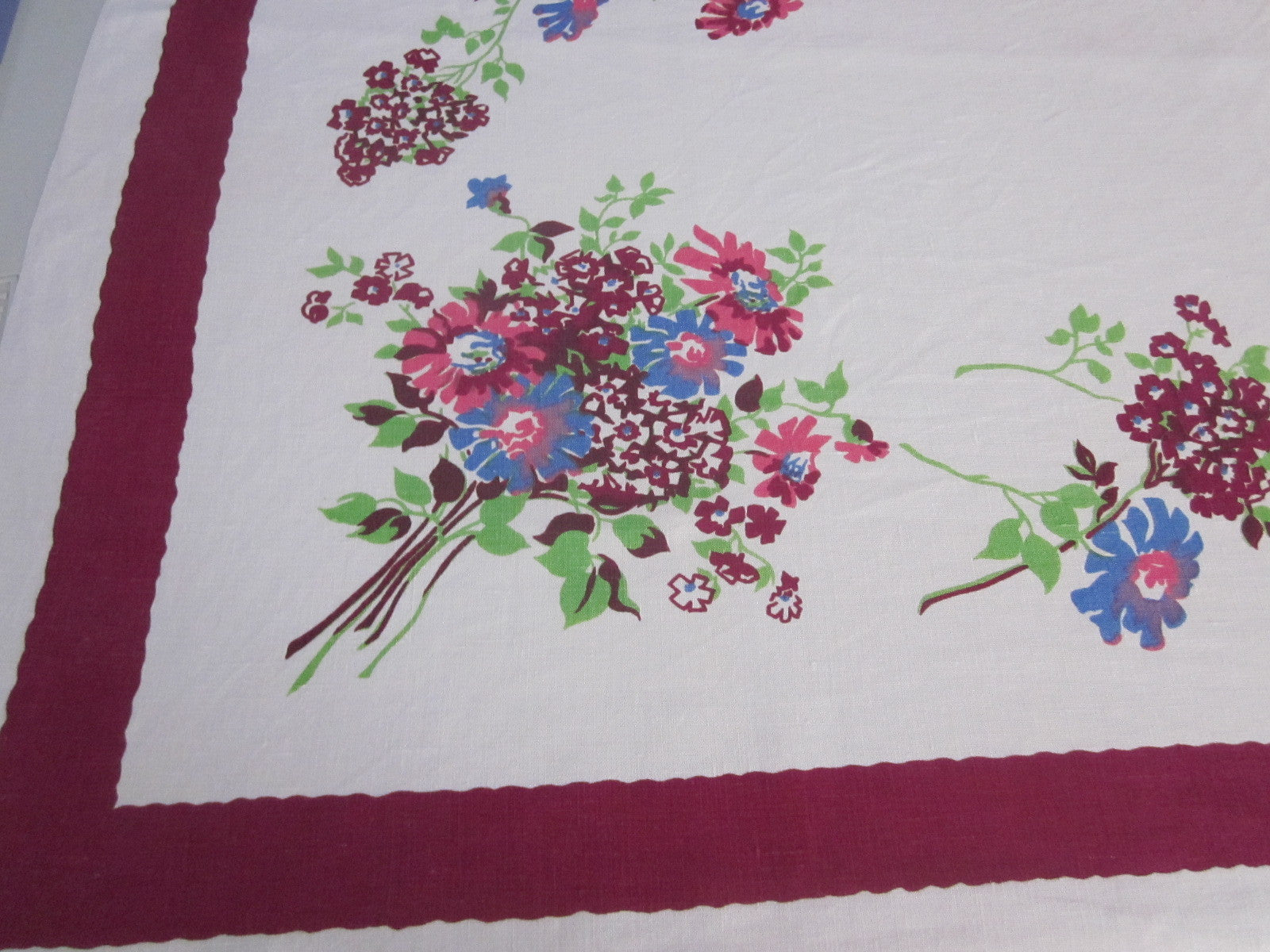 Pink Blue Green Magenta Linen Floral Vintage Printed Tablecloth (52 X 51)