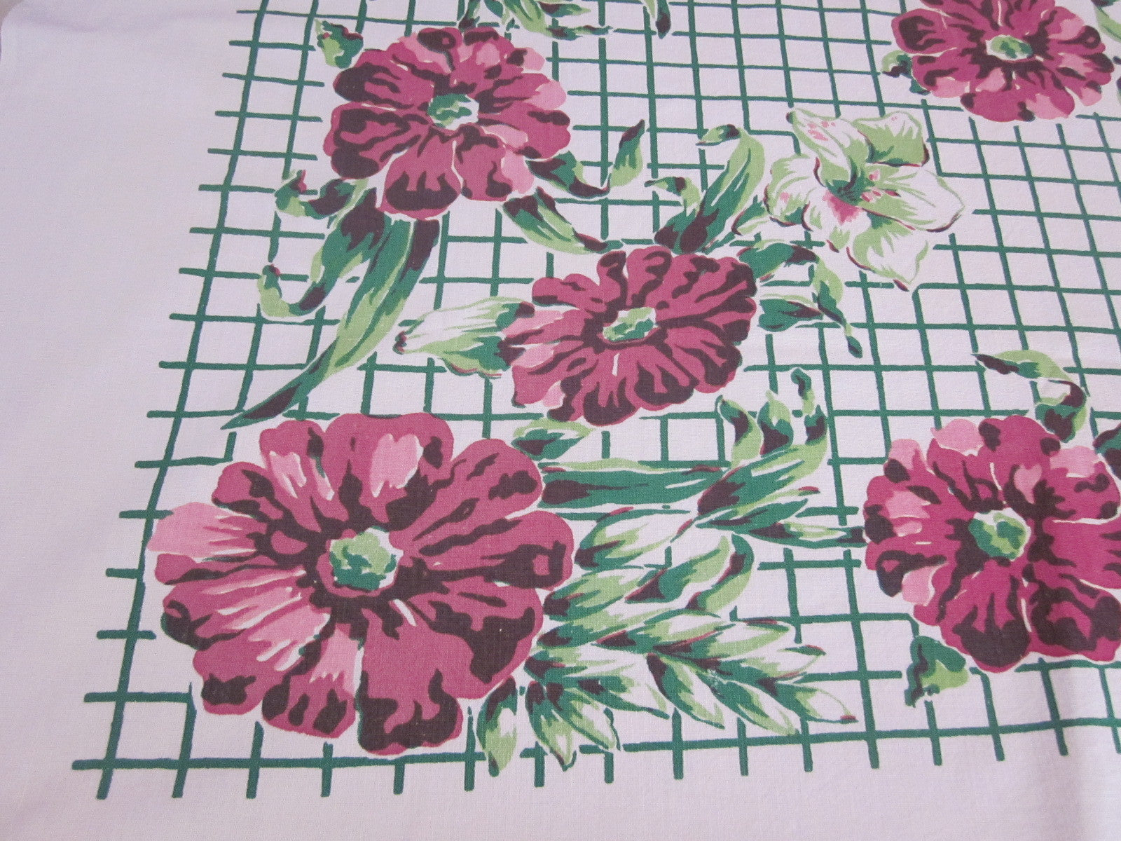 Startex Magenta Flowers on Green Grid Floral Vintage Printed Tablecloth (52 X 47)