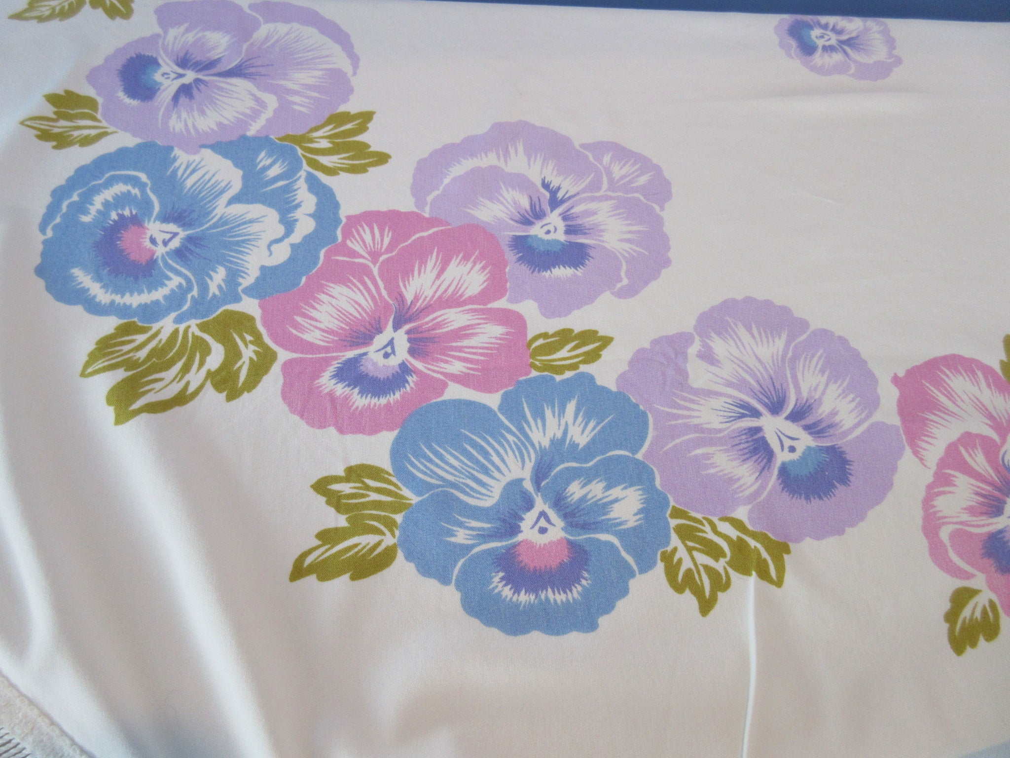 CHP ROUNDISH Pink Purple Pansies Floral Vintage Printed Tablecloth (60 X 53)