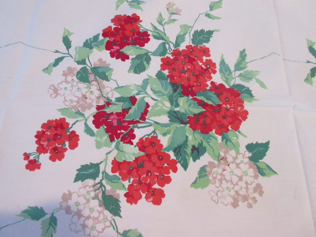 Wilendur Red Green Verbena Floral Vintage Printed Tablecloth (63 X 54)