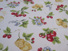 OVAL Vintage STYLE Fruit Flowers Cutter? Printed Tablecloth (87 X 52)