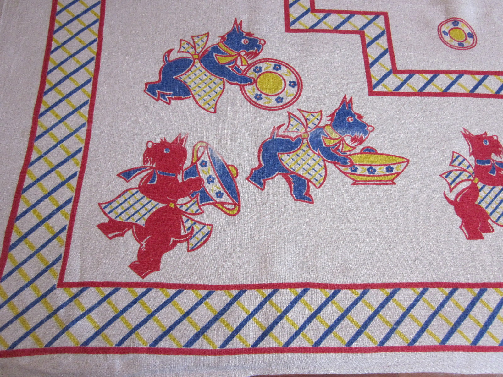 Rare Broderie Scotties Dishes Novelty Linen Vintage Printed Tablecloth (50 X 46)