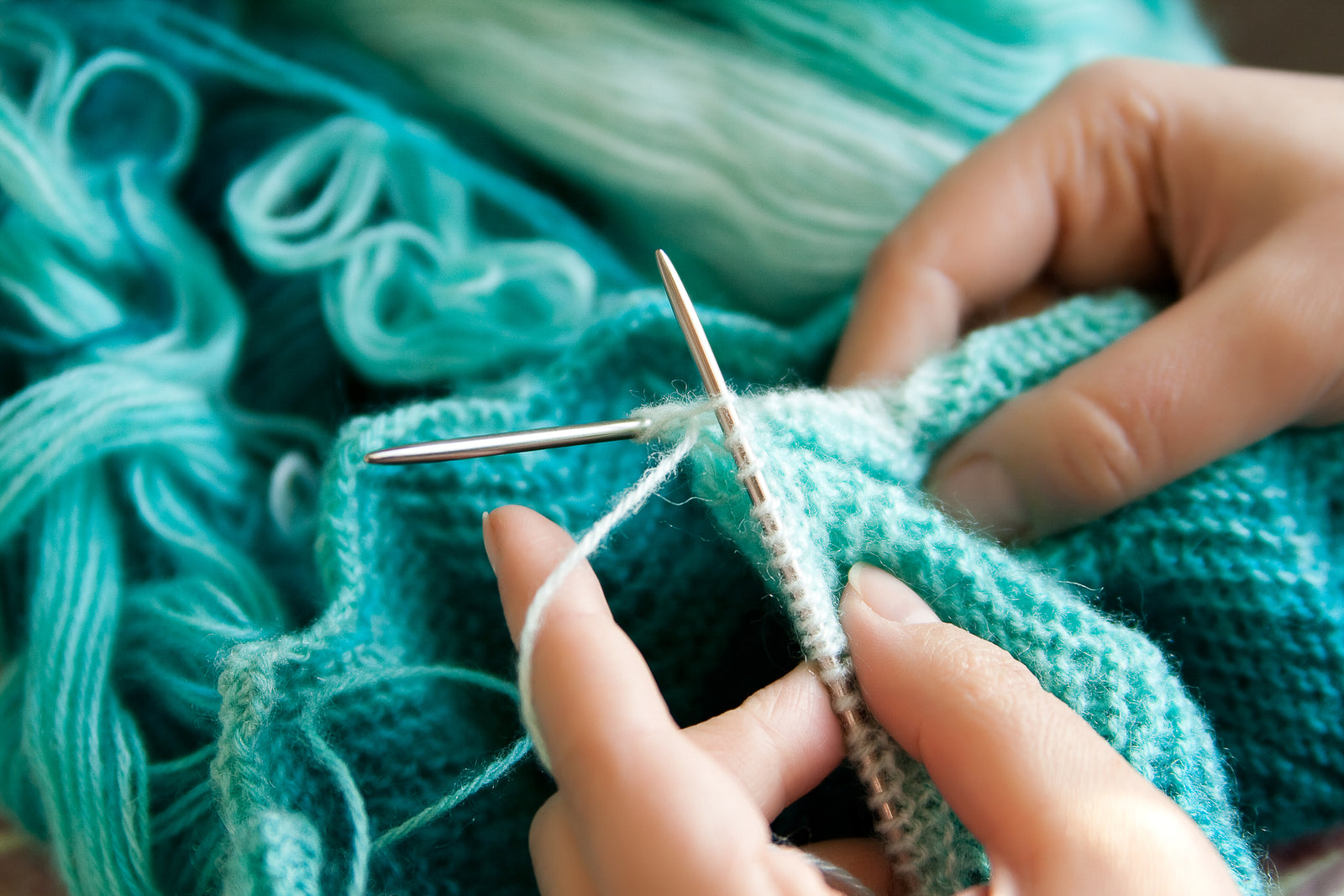 How To Knit For Absolute Beginners | Alpaca Direct