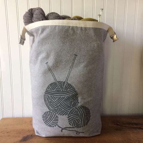 Large Yarn Ball Trundle Bag-Gray