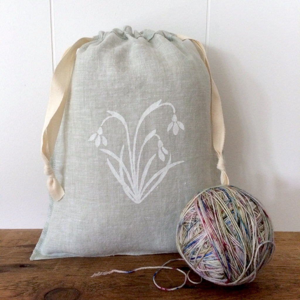 Medium Organic Linen Drawstring Bag - Snowdrop