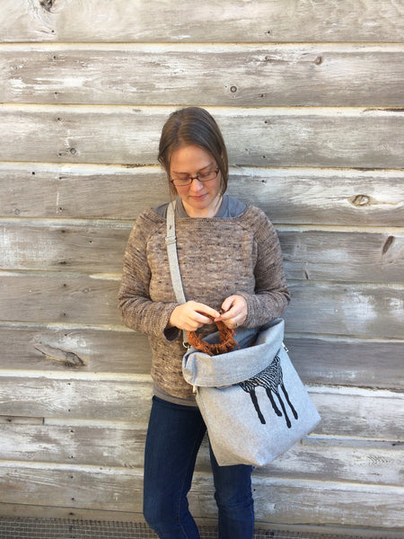 Deluxe Trundle Bag - Light Grey with Black Sheep