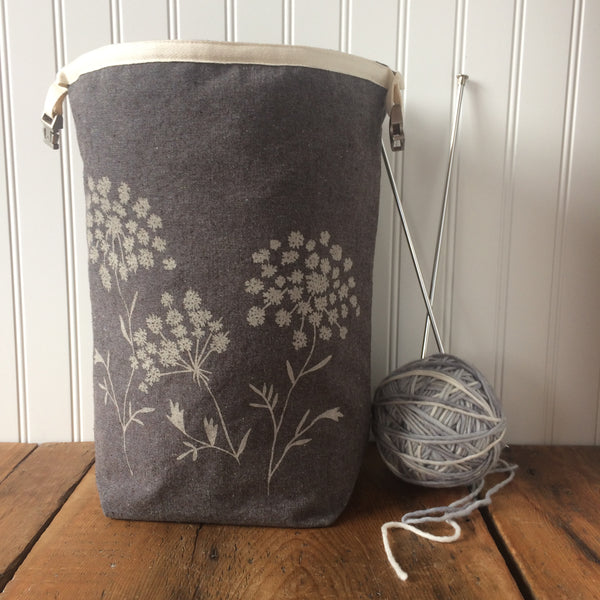 Queen Annes Lace Trundle Bag
