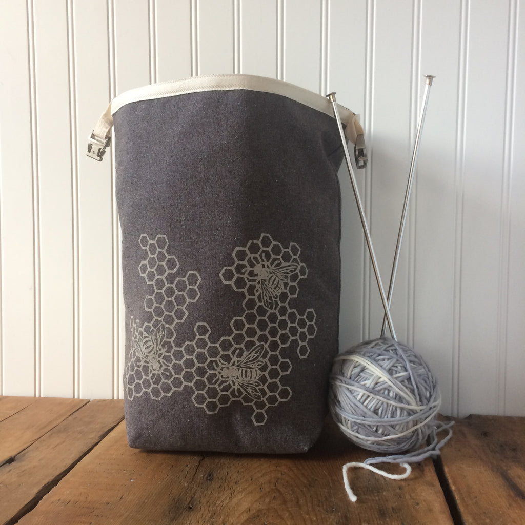 Honeycomb Trundle Bag