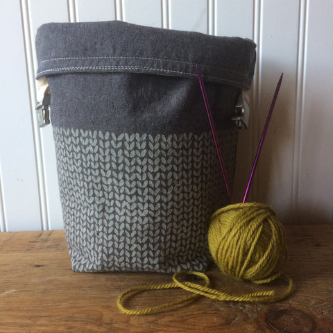 Knit Stitch Mini Trundle Bag- Cream stitches