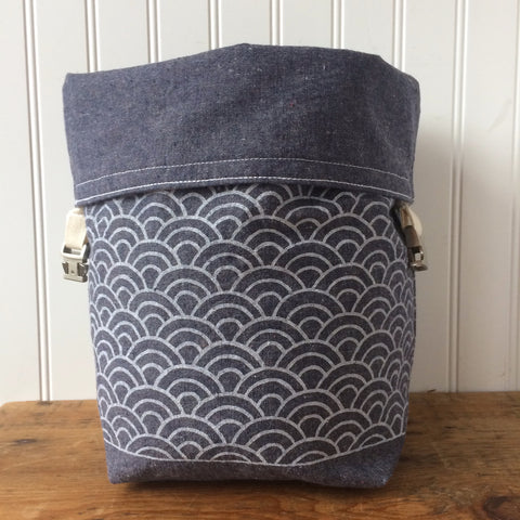 Blue Waves Trundle Bag