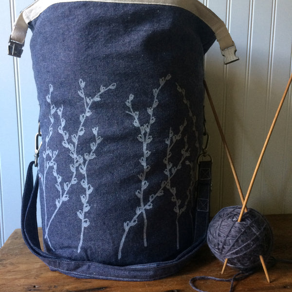 Deluxe Trundle Bag- Blue Pussy Willow