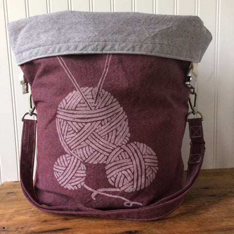 Deluxe Trundle Bag- Yarn Balls (Burgundy)