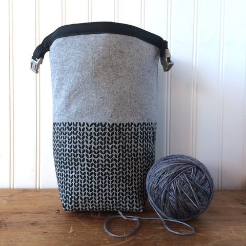 Knit Stitch Mini Trundle Bag- Black