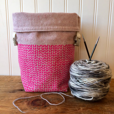Knit Stitch Mini Trundle Bag- Pink