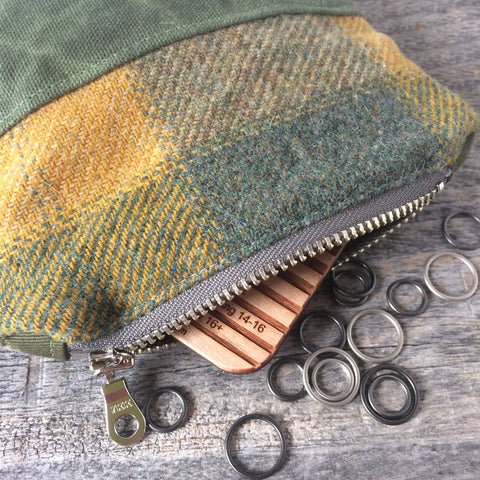 Bits and bobbles purse-green wax and wool edition