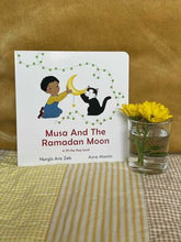 Load image into Gallery viewer, Musa And The Ramadan Moon - Lift The Flap Book