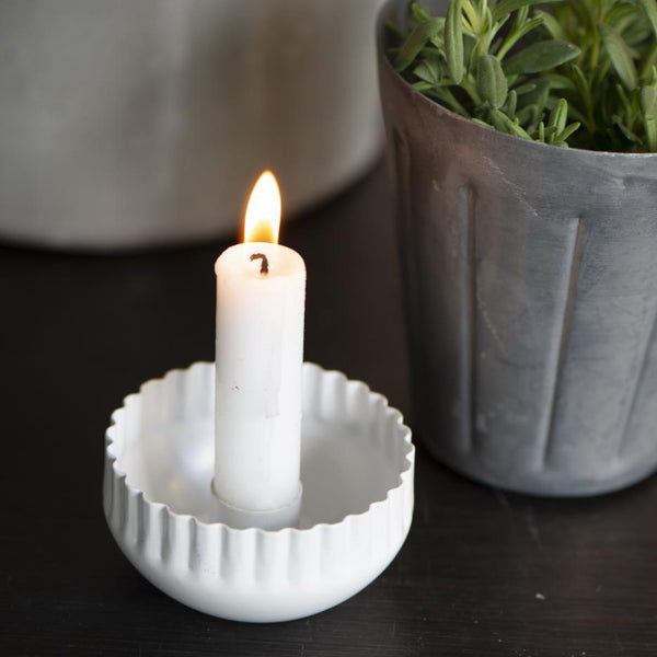 White Wavy Edge Candle Holder