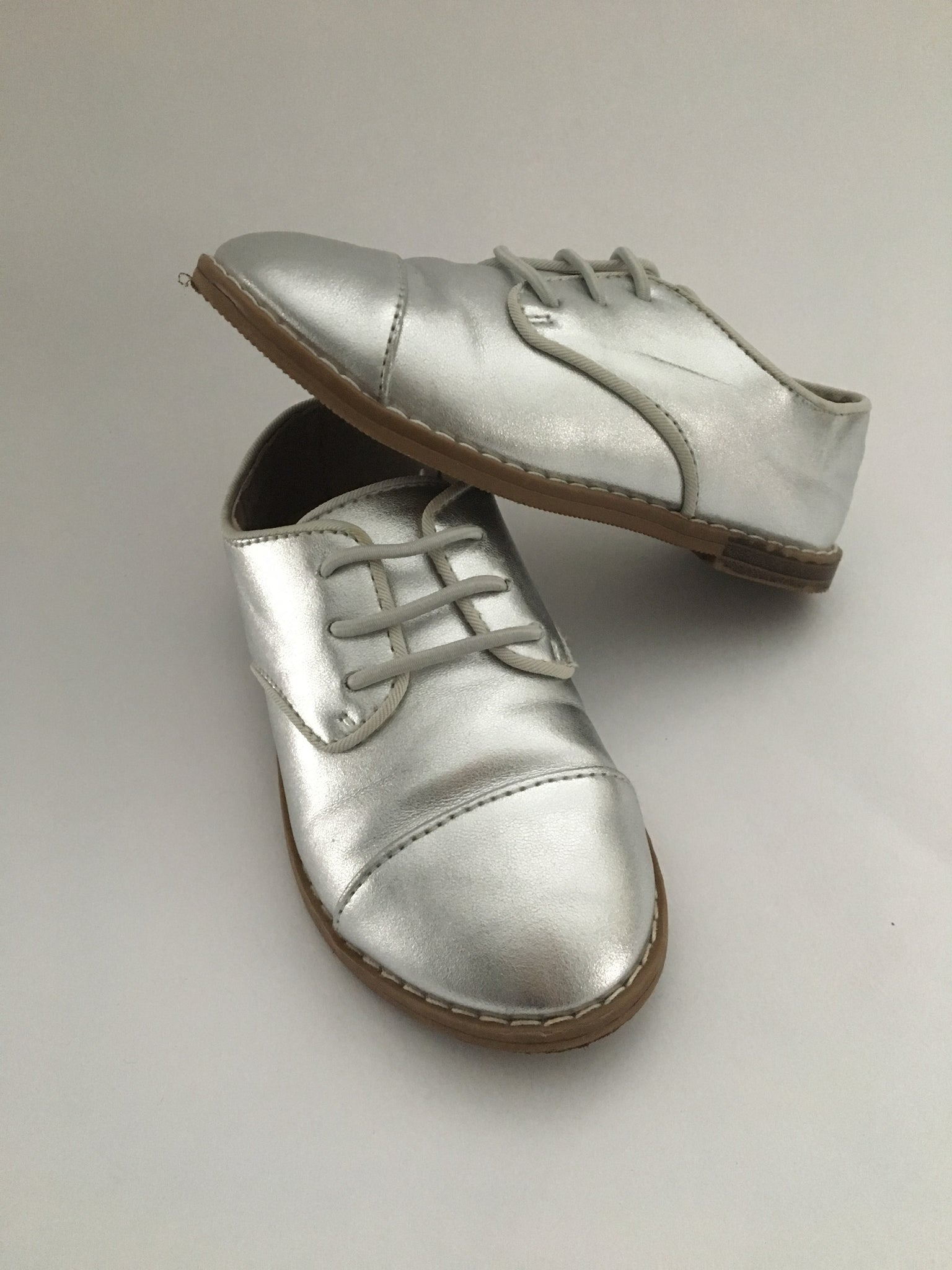 Gap Silver Loafers | Size 8