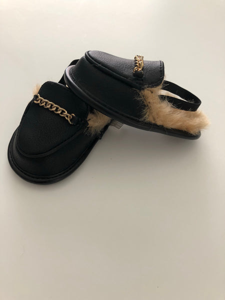 Aldo Furry Slides | 6-12M Size 3/4