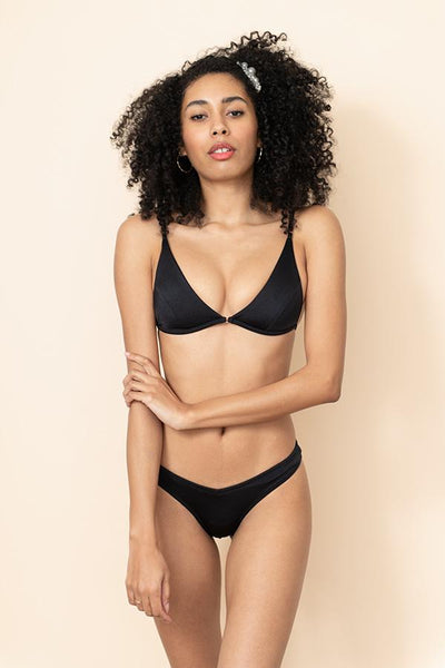 Sommer Swim - Uma top and Akila bottoms - Black