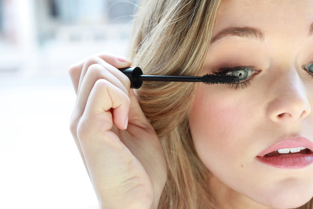 What's the skinny behind a clean mascara brush?