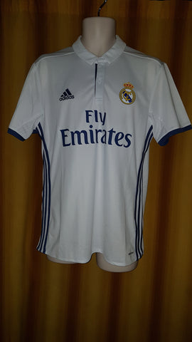 2016-17 Real Madrid Home Shirt Size Medium - Sergio Ramos #4