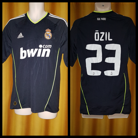2010-11 Real Madrid Away Shirt Size Medium - Ozil #23
