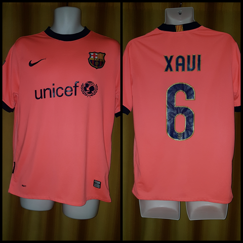 2009-10 Barcelona Away Shirt Size Medium – Xavi #6