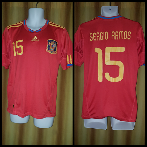 2009-10 Spain Home Shirt Size Medium – Sergio Ramos #15