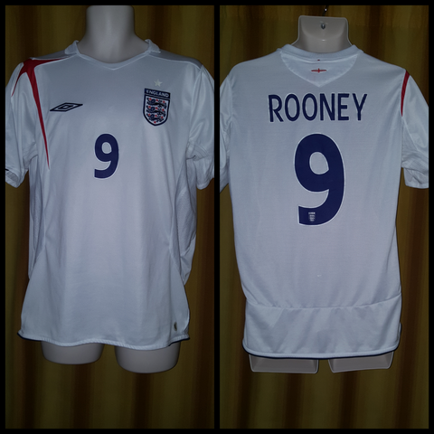 2005-06 England Home Shirt Size Medium - Rooney #9
