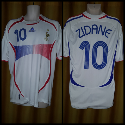 2005-07 France Away Shirt Size Large - Zidane #10