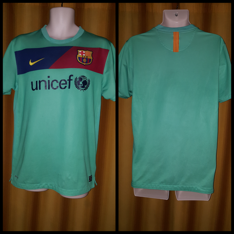2010-11 Barcelona Away Shirt Size Medium - Forever Football Shirts