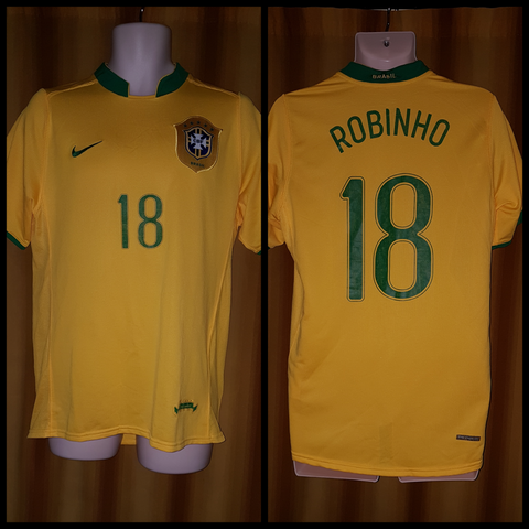 2006-07 Brazil Home Shirt Size Medium – Robinho #18