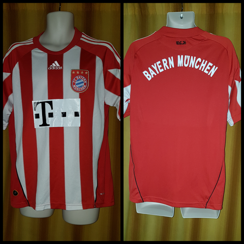 2010-11 Bayern Munich Home Shirt Size Medium