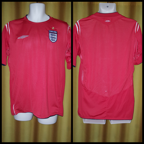 2004-06 England Away Shirt Size Medium