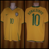 2007-09 Brazil Home Shirt Size Medium - Ronaldinho #10