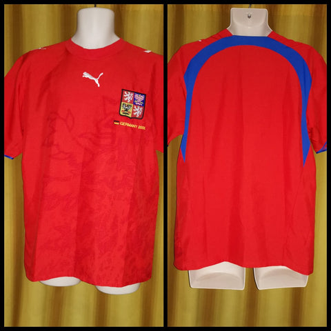 2006-07 Czech Republic Home Shirt Size Small