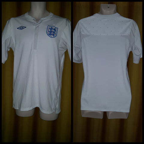 2010-11 England Home Shirt Size 38 - Forever Football Shirts