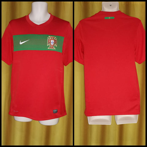 2010-12 Portugal Home Shirt Size Small