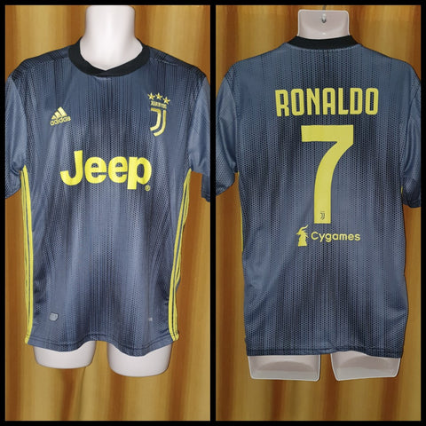 2018-19 Juventus 3rd Shirt Size Medium - Ronaldo #7