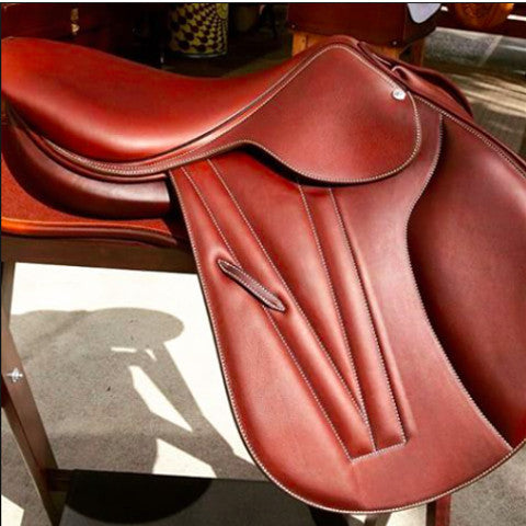 Butet Flat Seat Premium Saddle with Integrated Panels