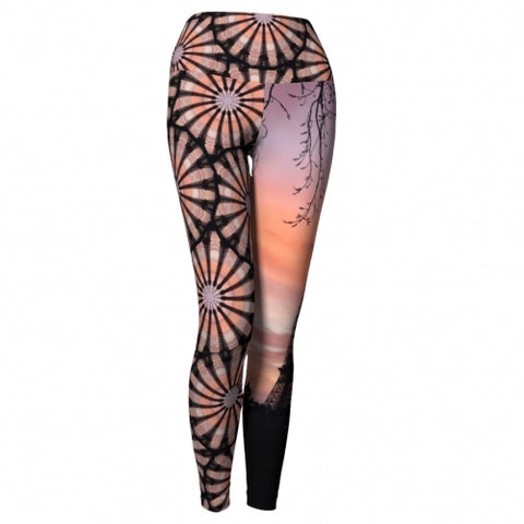 'Eiffel' World Tour Yoga Leggings