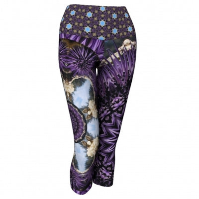 Scylla Seaside Yoga Capris front